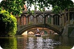 london-day-trips_cambridge_punt_250x166